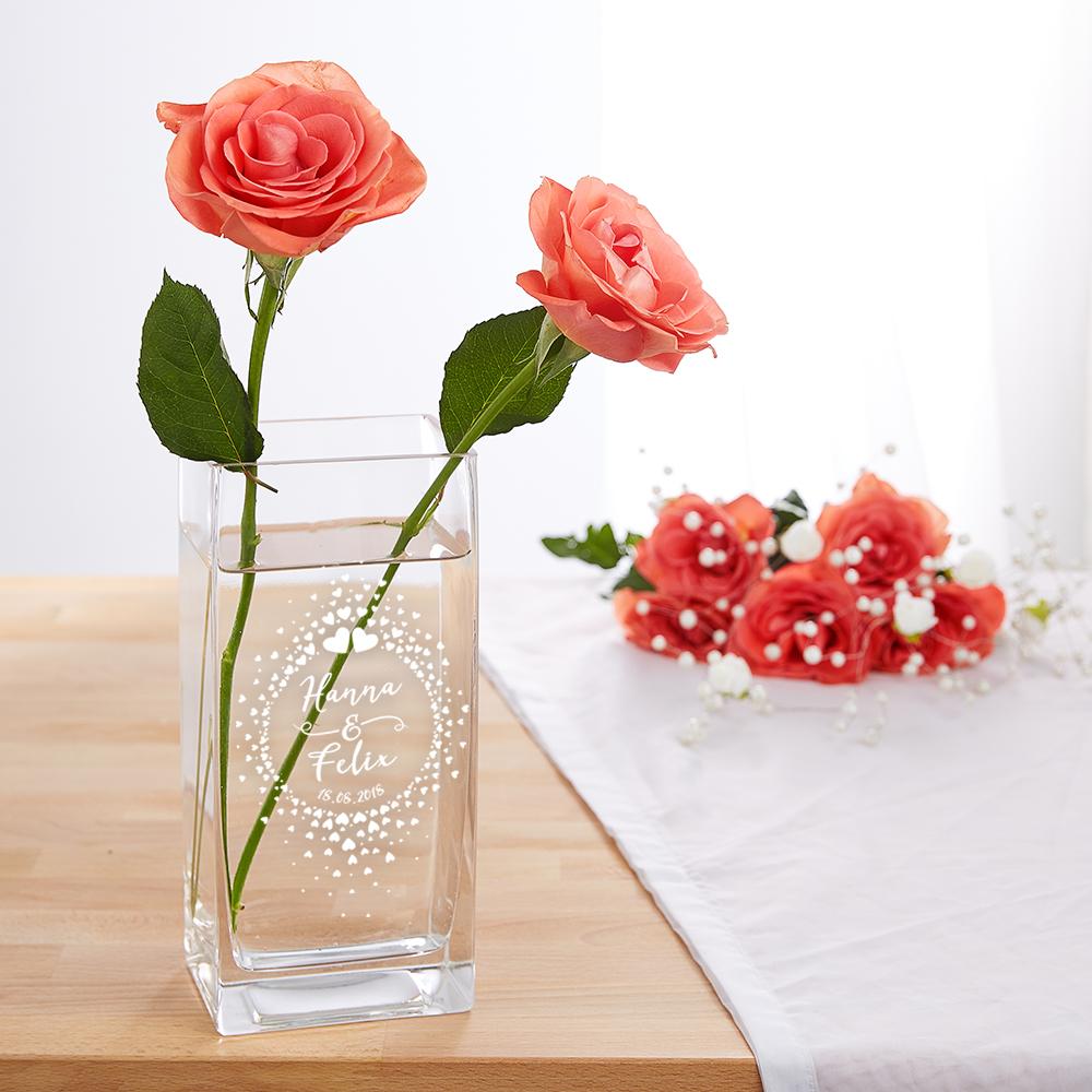 Vase mit Gravur zur Hochzeit - Kreis aus Herzen - Personalisiert
