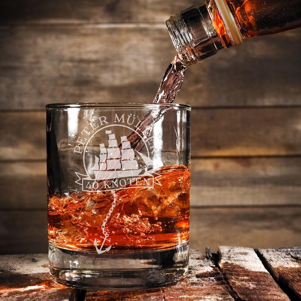 Rumglas mit Gravur zum Geburtstag - Kapitän - Personalisiert