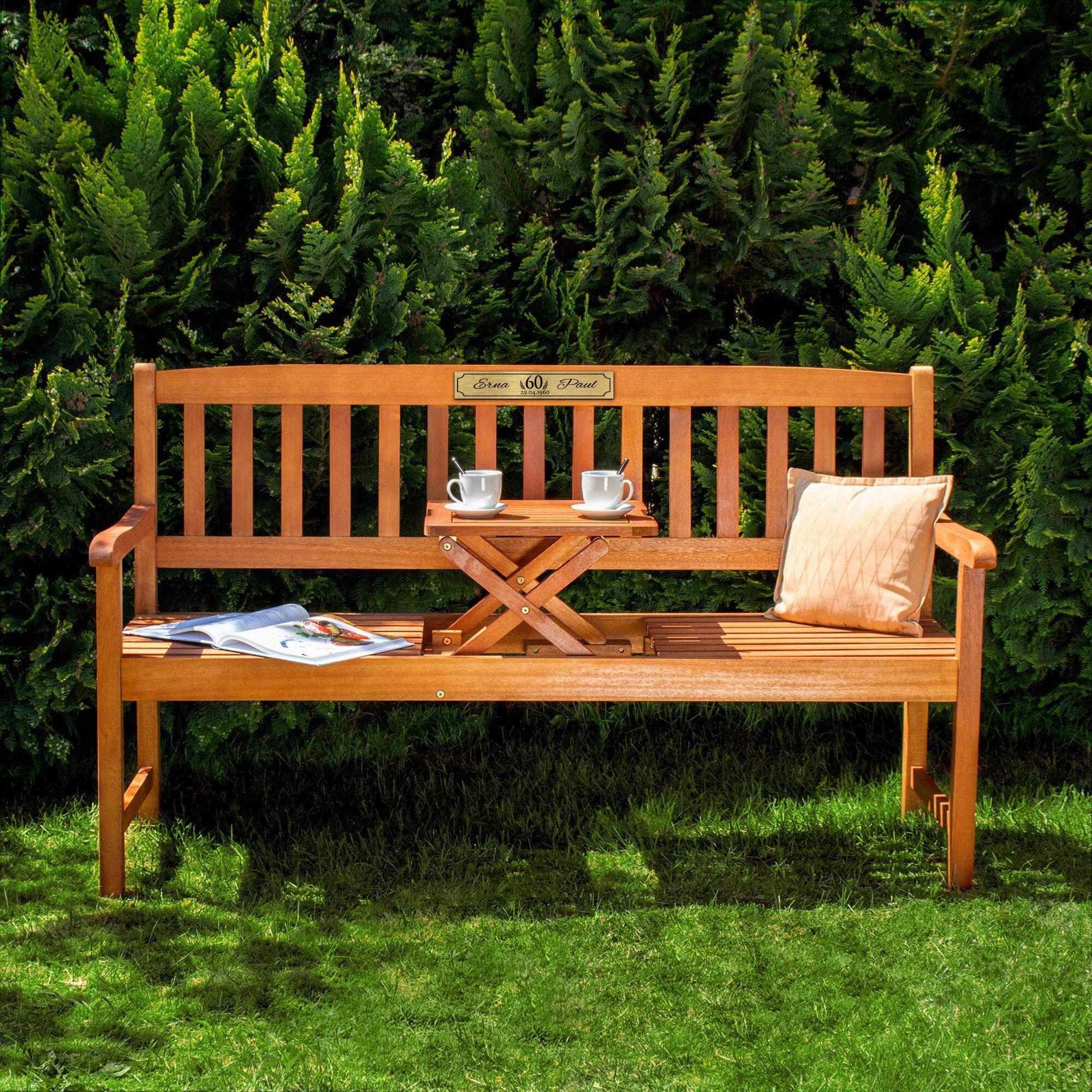 Gartenbank zur Diamanthochzeit aus Holz mit personalisierter Plakette