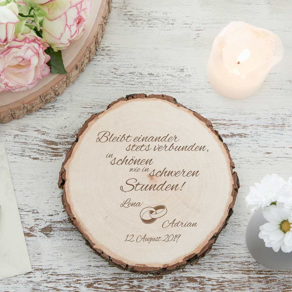 Baumscheibe mit Gravur zur Hochzeit mit Spruch Bleibt Einander
