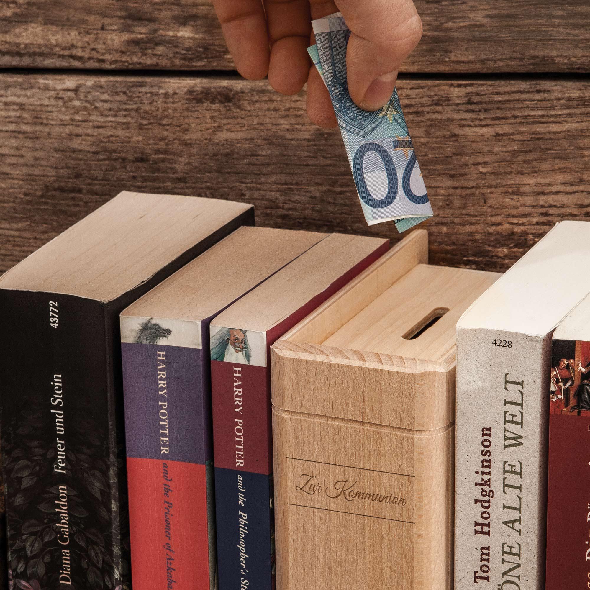 Spardose Buch aus Holz mit Gravur zur Kommunion - Personalisiert