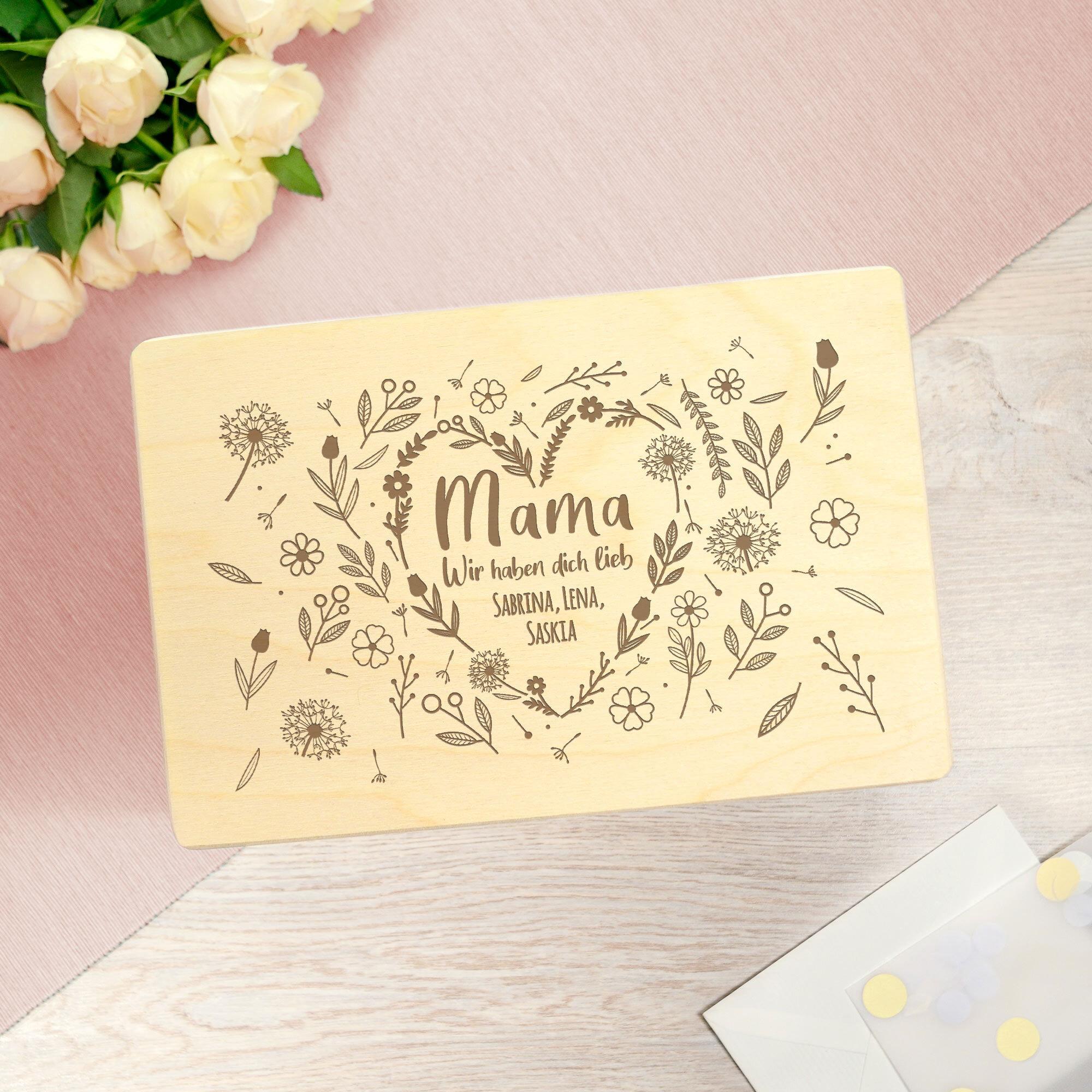 Personalisierte Erinnerungsbox - Blumenherz für Mama