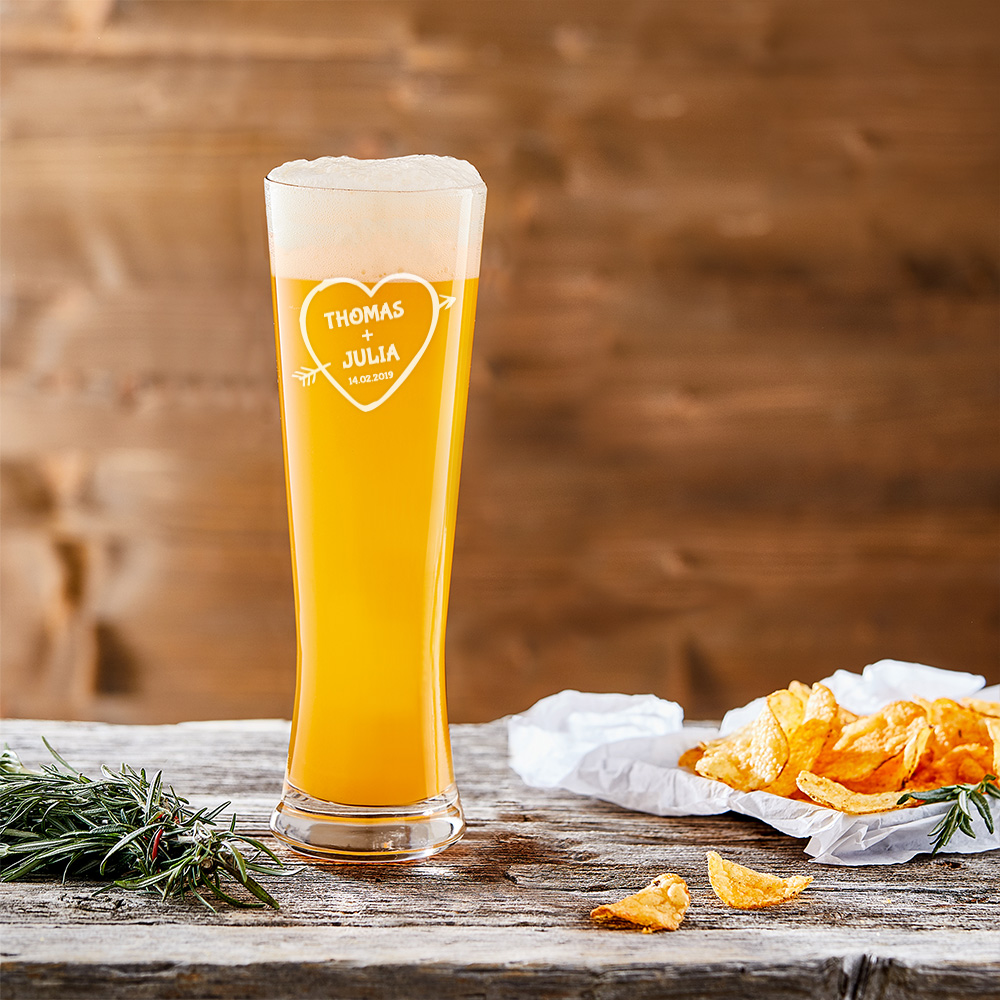 Weizenbierglas mit Gravur Amors Pfeil