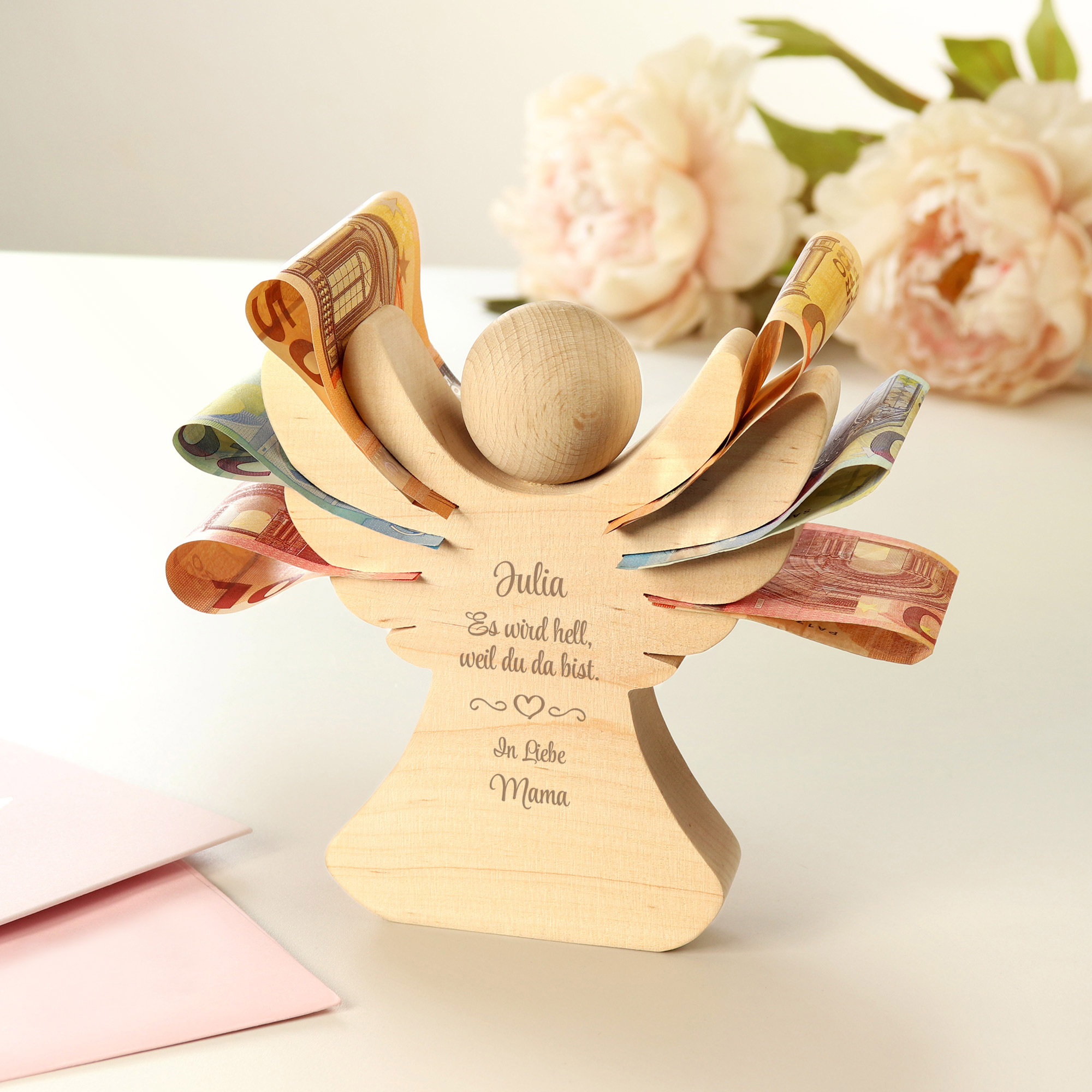 Engel aus Holz mit Gravur zur Geburt - Personalisiert