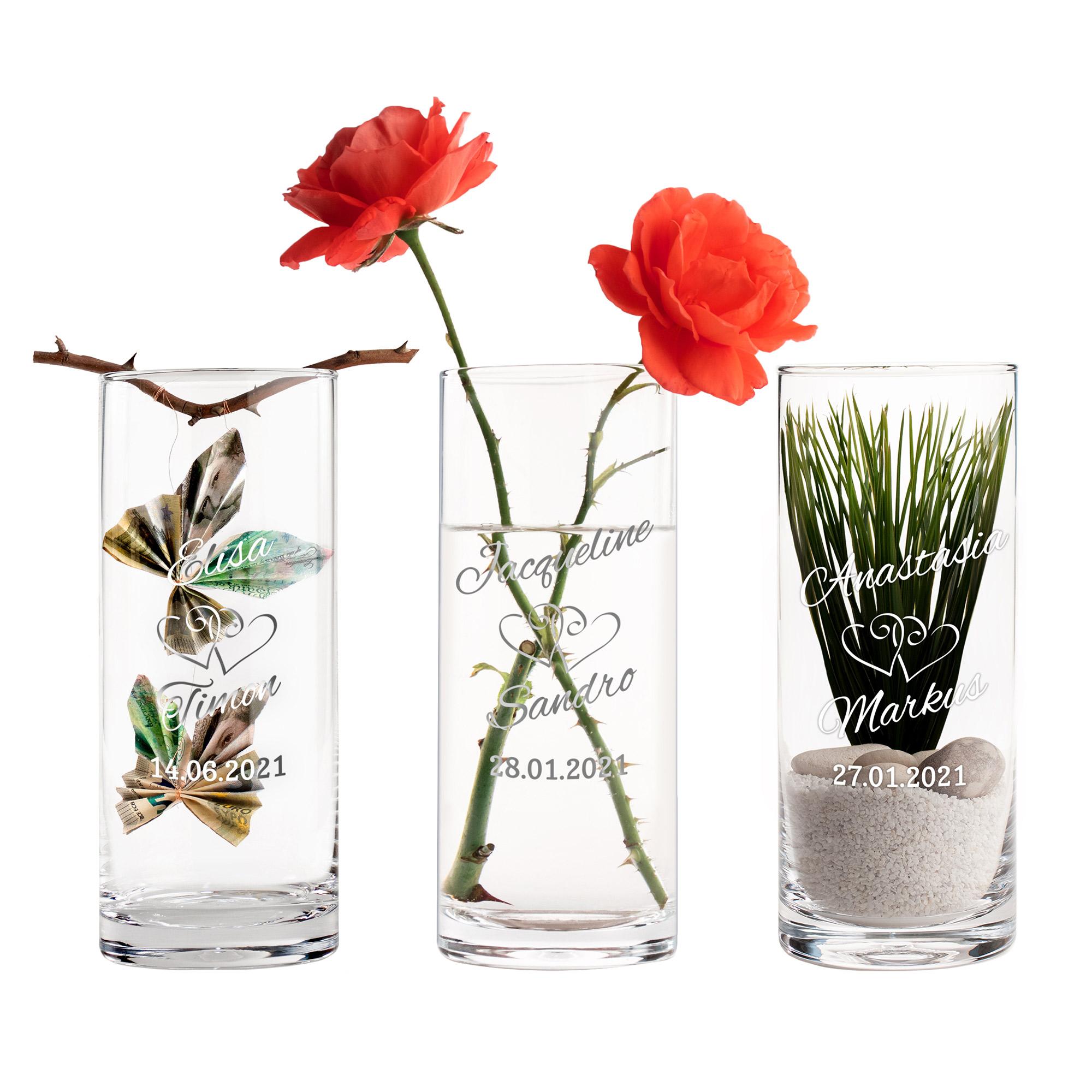 Runde Vase mit Gravur zur Hochzeit - Herzen
